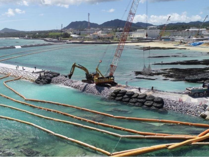 辺野古への土砂投入、沖縄知事選後に 政府、影響回避で検討
