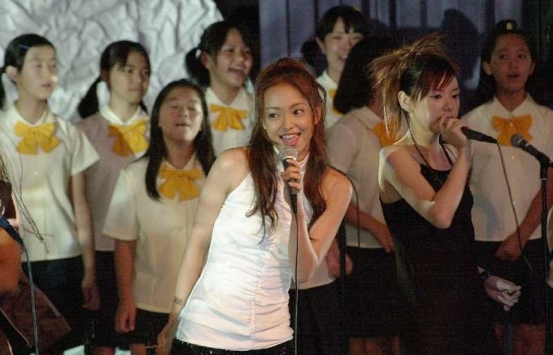 2000年の九州・沖縄サミット 安室奈美恵さんと「NEVER END」歌った子どもたちの今